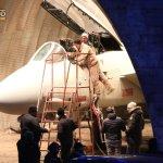 Tom Cruise se reencontra com o F-14 nas filmagens de Top Gun 2