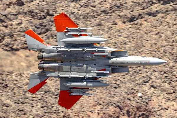 image 12 600x400 - Boeing completa testes do F-15 Advanced