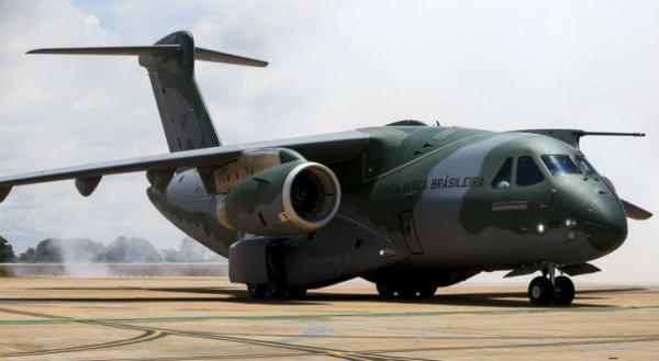 382dfd0e9bcc7e82e38349ac021d1c6a 600x329 - LAAD: FAB firma acordo para investimentos no Brasil vinculado ao KC-390
