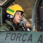 IMAGENS: 1º GDA voa com irmão de Ayrton Senna em homenagem ao ídolo