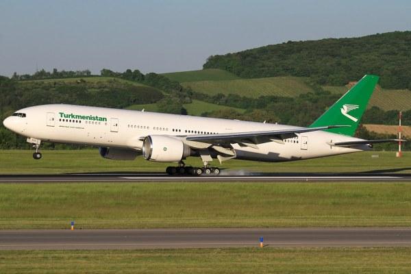 17503059968 c927917c51 b 600x400 - PARIS AIR SHOW: Turkmenistan Airlines pretende encomendar um Boeing 777-200LR