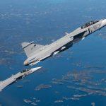 IMAGENS: Primeiro voo em formação com dois caças Gripen E