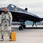 "Morre ""Bob"" Gilliland, o primeiro piloto a voar no icônico SR-71 Blackbird"