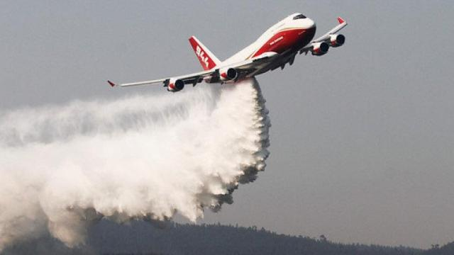 Resultado de imagem para Bolívia inicia uso de avião SuperTanker para combater incêndio florestal
