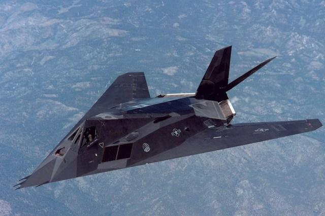 803 - Jato furtivo F-117 Nighthawk ficará exposto em biblioteca presidencial nos EUA