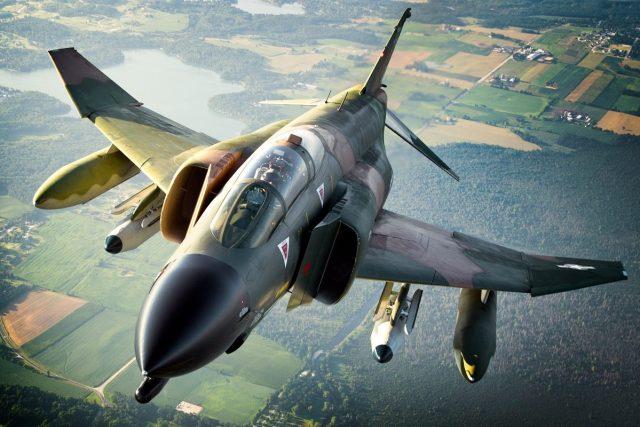 Collings f4 1200x800 - Como um fantasma, o icônico F-4 Phantom está desaparecendo lentamente