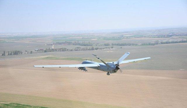 DdT6thRXUAACZMk - Drone de combate turco completa voo de mais de 26 horas de duração