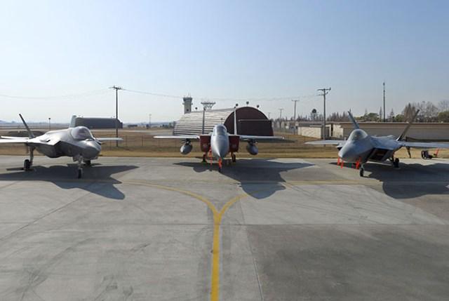 F 35 F 15 F 22 - USAF divulgará o aplicativo ''Fighter Comms''