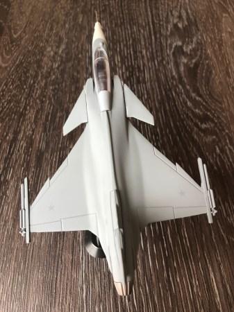 IMG 5938 225x300 - SORTEIO: Está valendo a terceira maquete do F-39 Gripen