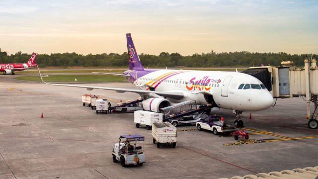 Thai Airways - Passageiro aciona porta de emergência de aeronave antes da decolagem