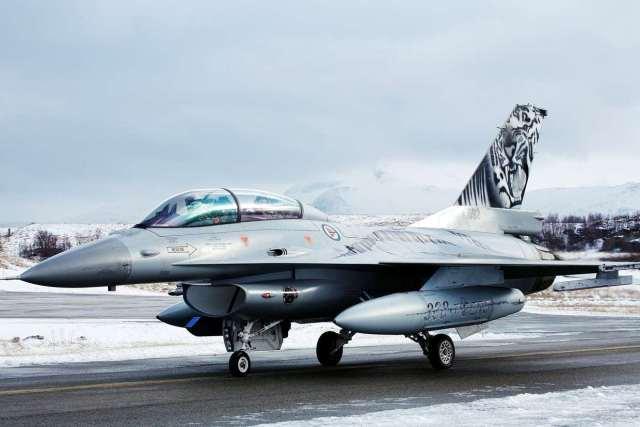 norsk f16 0002 - Kongsberg é certificada como primeiro centro MRO global para caças F-16