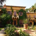 colonial-style-villa