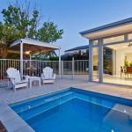 summer-house-with-a-pole
