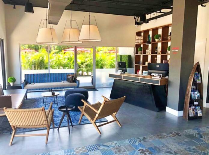 New hotel debuts near Seven Mile Beach