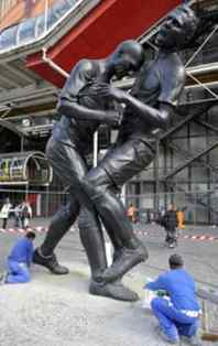 Zidane Headbutt Statue - This week's best news item