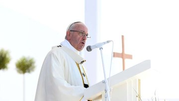 """""""Urgent action"""" prayer intention of Pope Francis"""