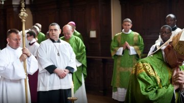 Cardinal Tauran in UK