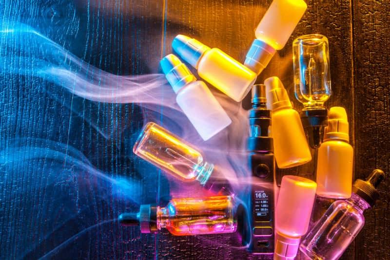 The Pros & Cons Of Vaping CBD E-Liquids