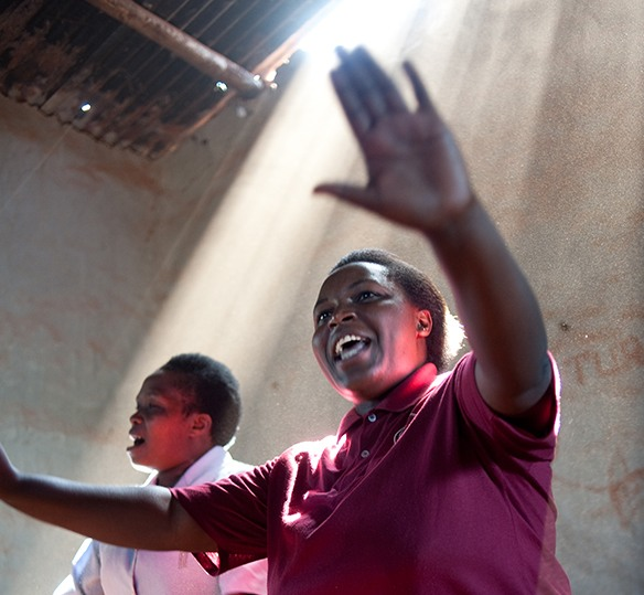 Photo of Rwandan women singing