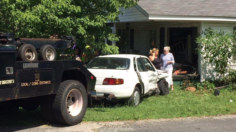 car crash house_215144