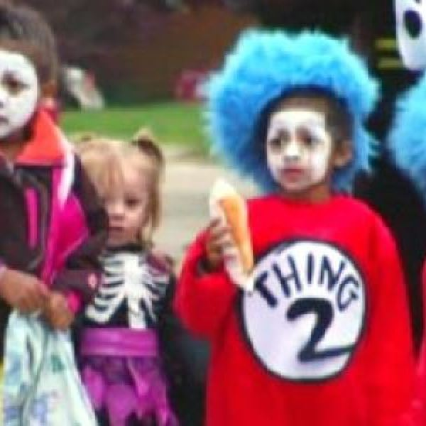 halloween-trick-or-treaters-generic_281129