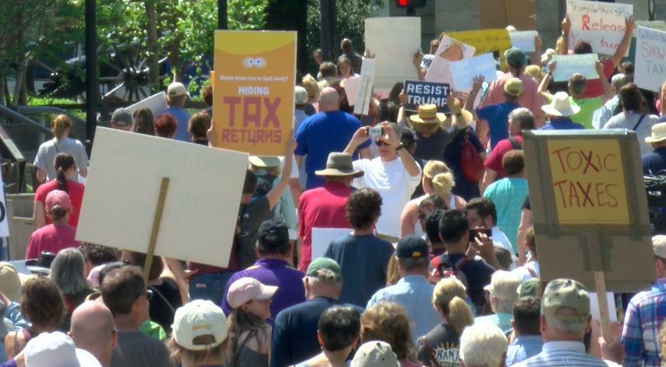 trump tax march_385926