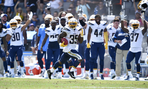 Hill Rallies Saints To 19 17 Victory Over Chargers Cbs17 Com