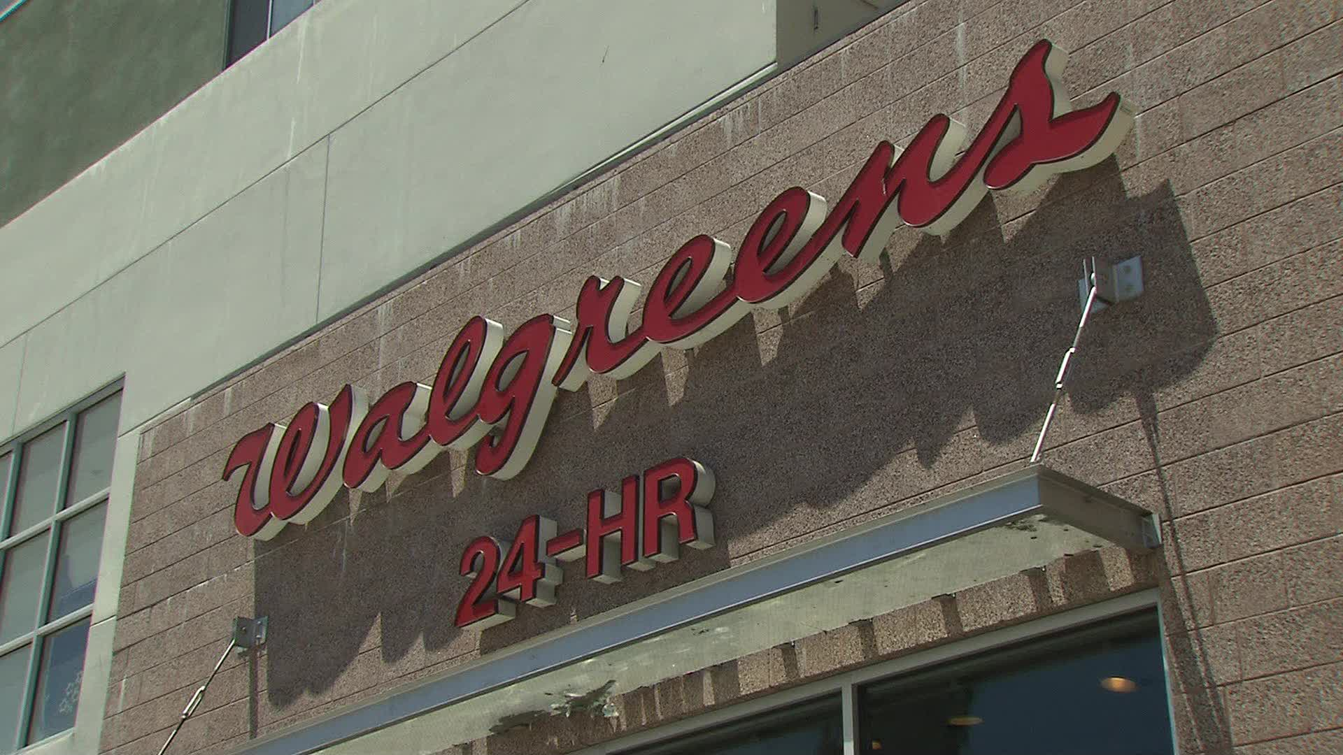 Walgreens asks customers not to openly carry guns in its