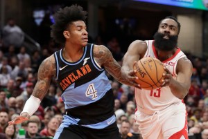 Harden scores 55, Rockets withstand scare from Cavaliers