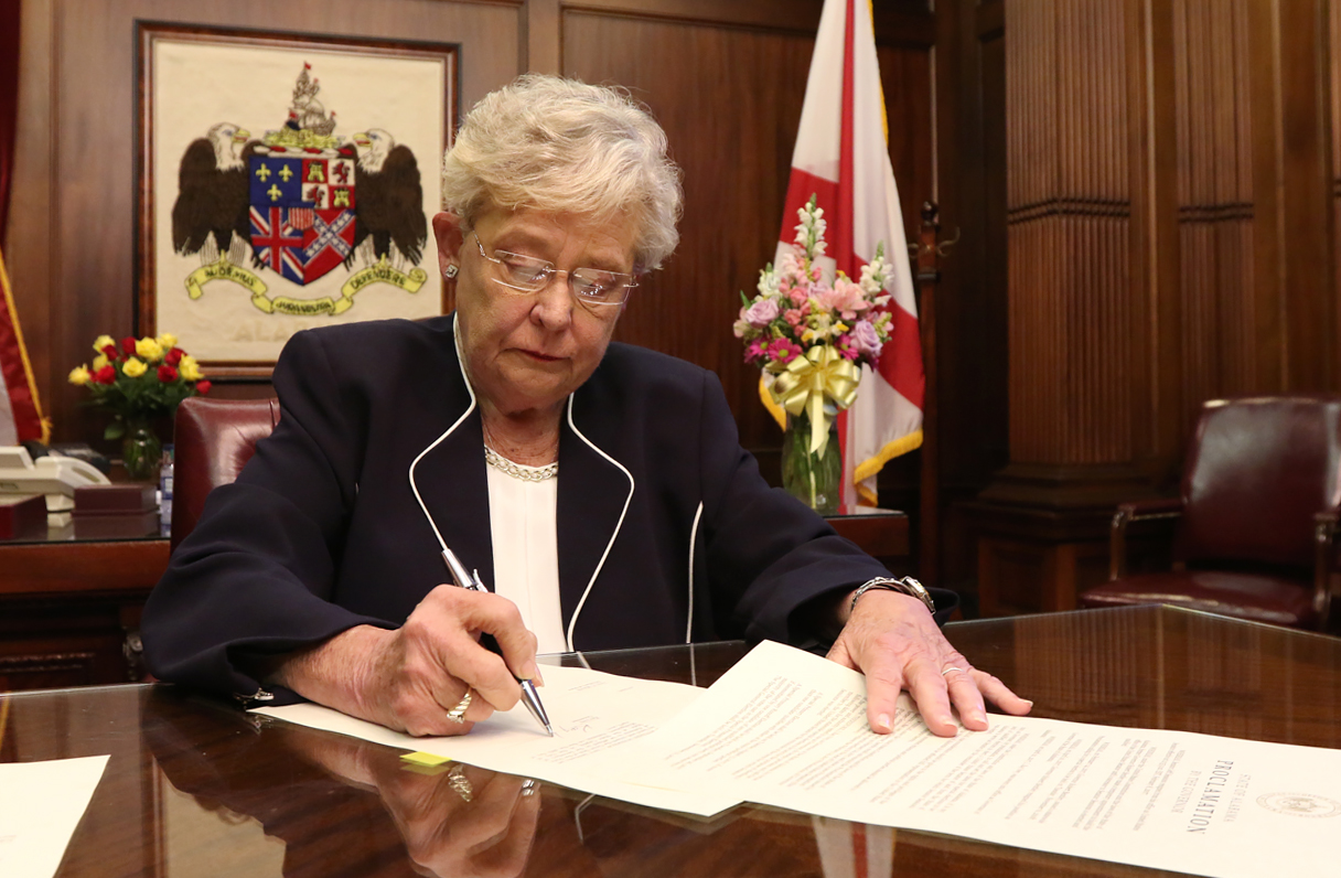 Governor Ivey Signs Special Election Proclamation_257514