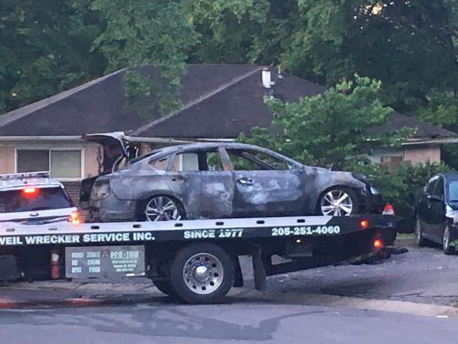 burned-car-in-ensley_281065