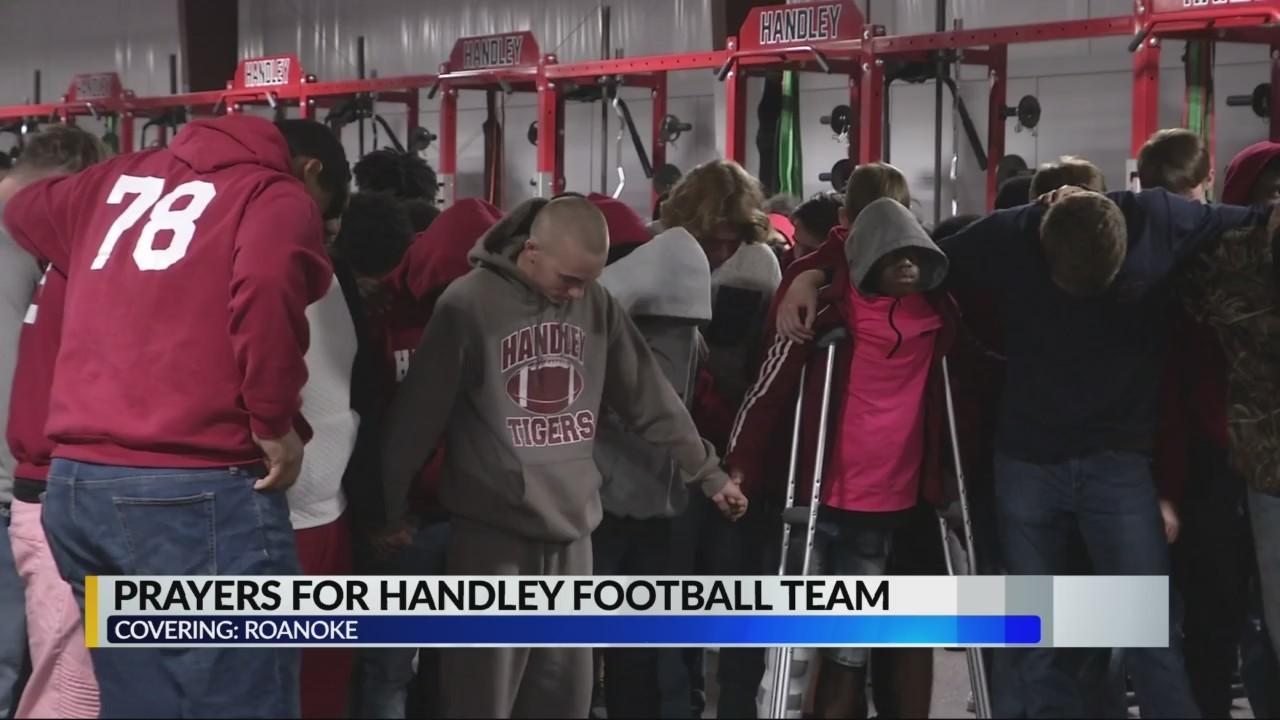 Roanoke community gather in prayer after deadly bus crash involving Handley high school football team