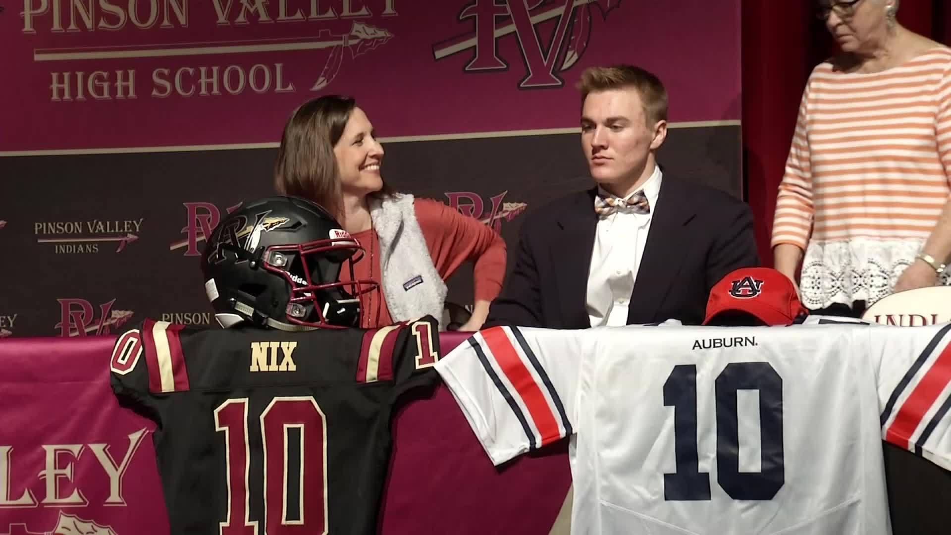 Bo Nix Signs With Auburn