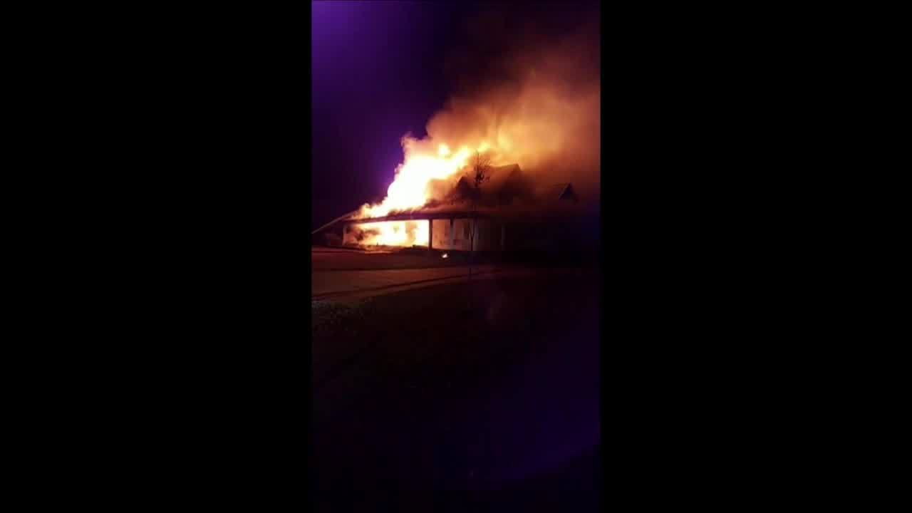 House_fire_in_White_City__Alabama_5_20181127035216