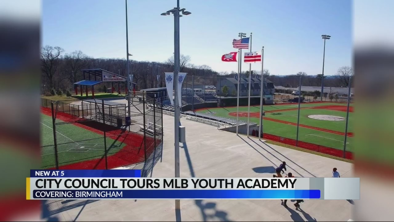 City council tours MLB youth academy