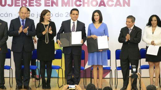 Trabajamos para garantizar los derechos políticos de las mujeres, afirma Gobernador