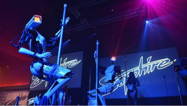 Presentan unas 'strippers&#039 robóticas en un club nocturno