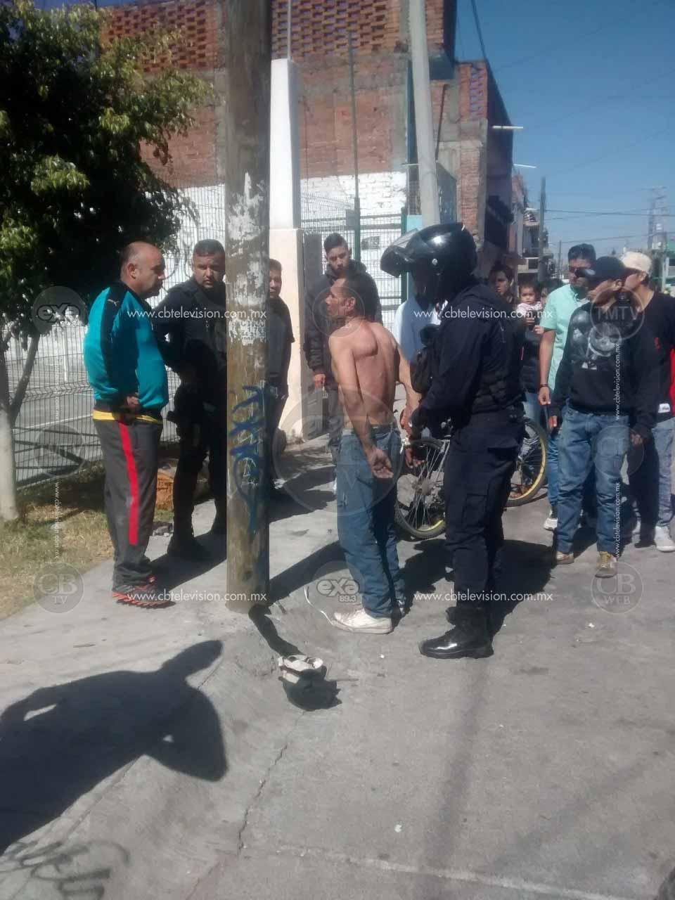 Vecinos de la Col. Industrial se unen y detienen a presunto ladrón