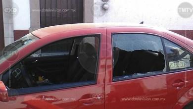 Automovilista es atacado a balazos frente a su familia