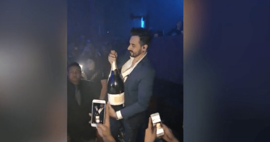 Compra botella de champagne carísima ¡para tirarla!