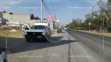 Chocan dos camionetas, una de la Secretaría de Salud