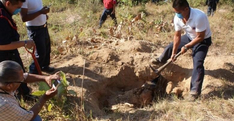 Encuentran 10 cuerpos en fosa clandestina en Jalisco
