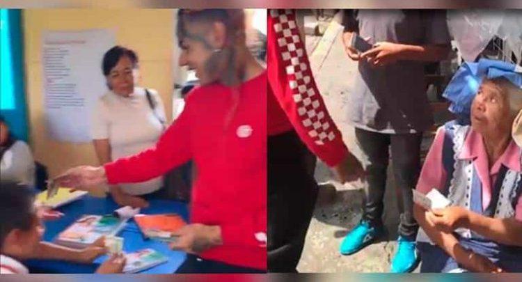 Famoso rapero visita sus raíces mexicanas y regala billetes de 100 dólares en las calles