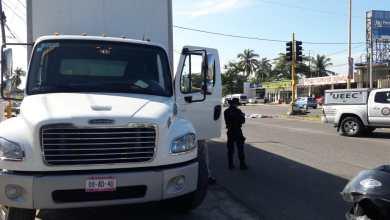 Motociclista fallece al ser atropellado por un camión torton