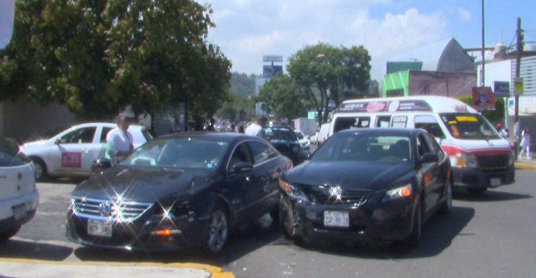 Choque sobre la avenida Ventura Puente deja un hombre lesionado