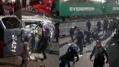 Vuelca patrulla de la policía michoacana sobre la carretera cuatro caminos