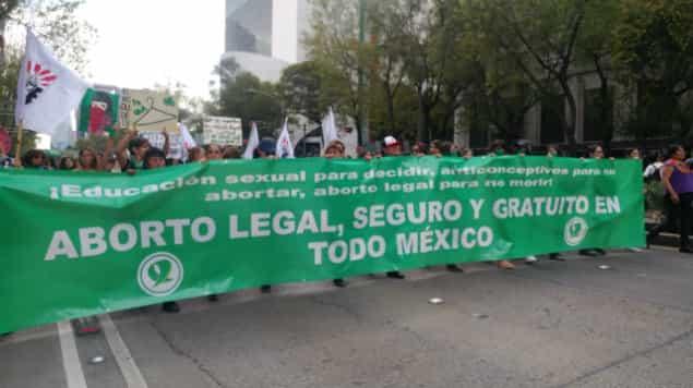 Morena podría proponer la legalización del aborto a nivel nacional