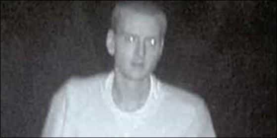 La policía pide ayuda para identificar a este sospechoso y los internautas 'delatan' a Eminem