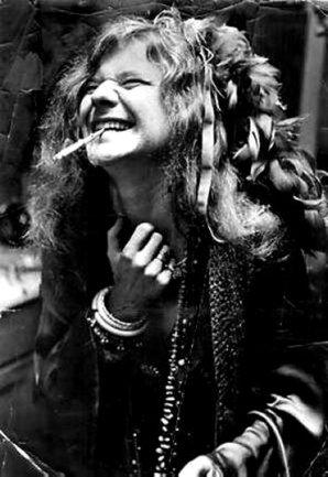 janis joplin smoking a cigaret