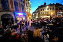 band playing on the street for la fête de la musique